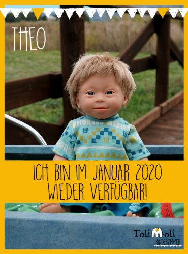 *Theo* Puppe mit Down Syndrom